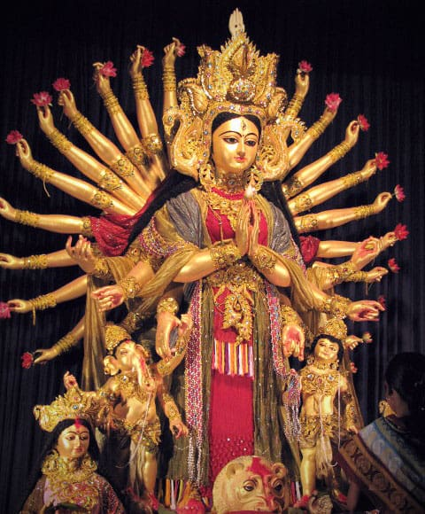 Durga as Kuanyin, the Bodhisattva of Compassion (Durga Puja, Kolkata. Photo courtesy of © Arindam Bhattacharjee)